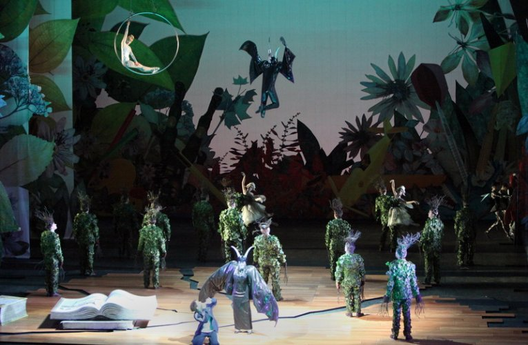 """RAVEL'S OPERA """"THE CHILD AND THE SPELLS"""" IN ANIMATION AT THE APOLLO THEATRE OF SYROS"""